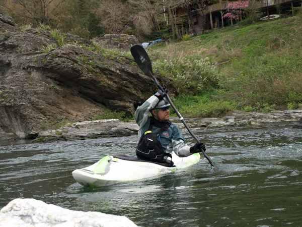 長瀞のカヤックスクール:ウェイブグライド/漕ぎ始めはゆっくり