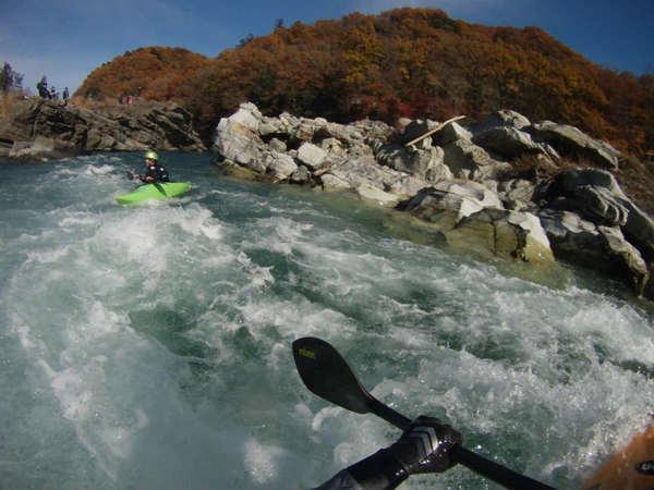 長瀞のカヤックスクール/紅葉と小滝の瀬